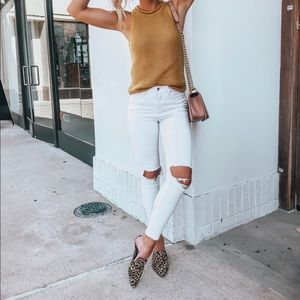 Free people busted knee white skinny jeans 26